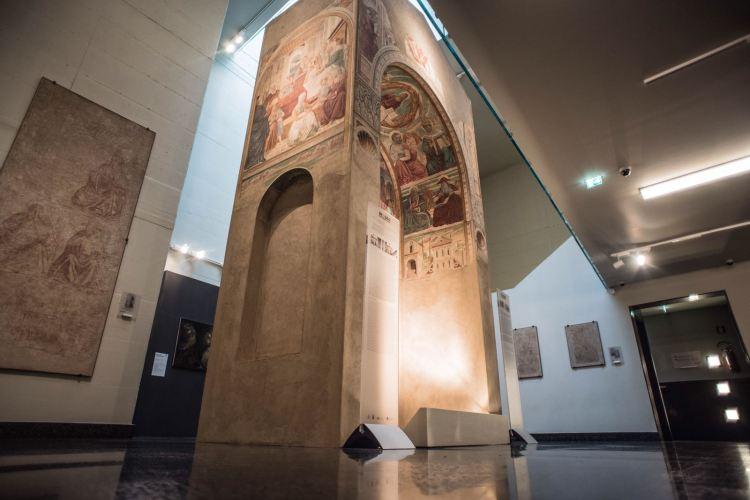 Foto del Tabernacolo della Visitazione visto dal basso